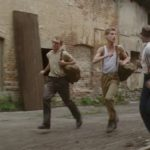 Rebelové, kluci utíkají před vojáky, vápenka Řeporyje