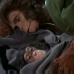 Útěk z Planety opic, Cornelius, Zira a mrtvé mládě ve vodě, přístavSan Pedro